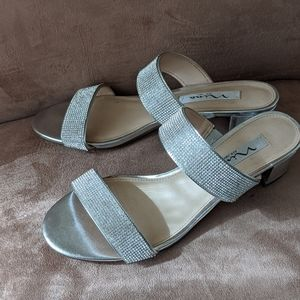 Nina New York Sandals, Silver Metallic Size 7.5